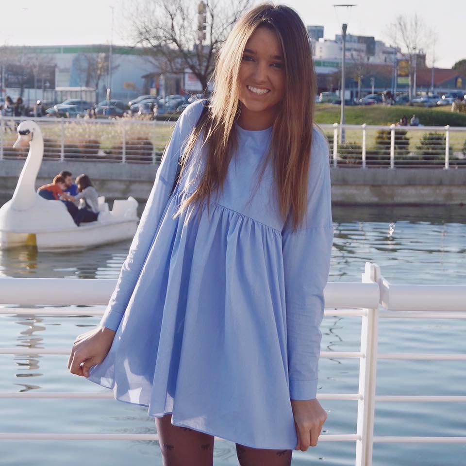 Vestido azul cielo zara